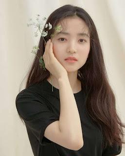 Profil dan Biografi Kim Tae-Ri pemeran Go Ae Shin Mr Sunshine
