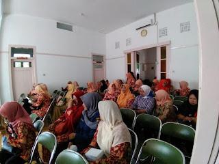 KPU Kota Cirebon Lakukan Sosialiasi Pemilu 2019 Kepada Anggota Dharma Wanita