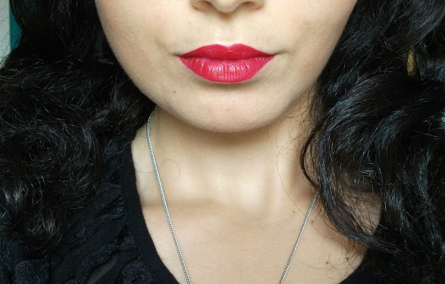 The Body Shop Matte Lip Liquid in Tahiti Hibiscus 016
