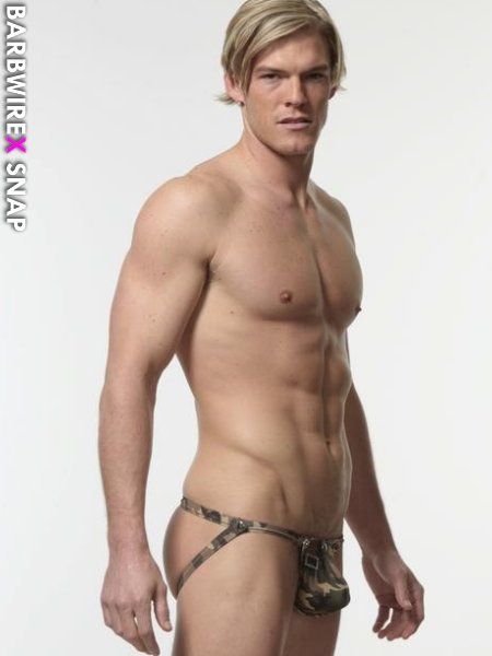 Alan ritchson nude — photo 1
