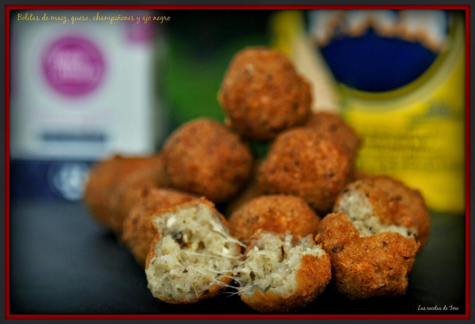 Bolitas de maiz queso champiñones y ajo negro 03