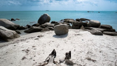 Pantai Pasir Putih - Punai - Belitung