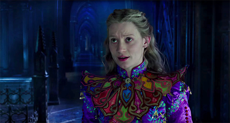 Assistimos a Alice Através do Espelho