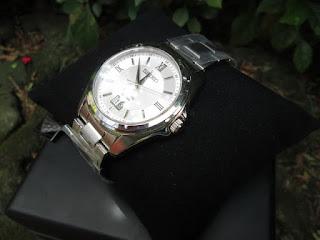 Jam Pria Mewah SEIKO Sapphire SUR097P1 Original Silver Bracelet Like New