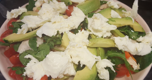 A week in Salads - Italian Inspired Chicken, Avocado and Mozzarella