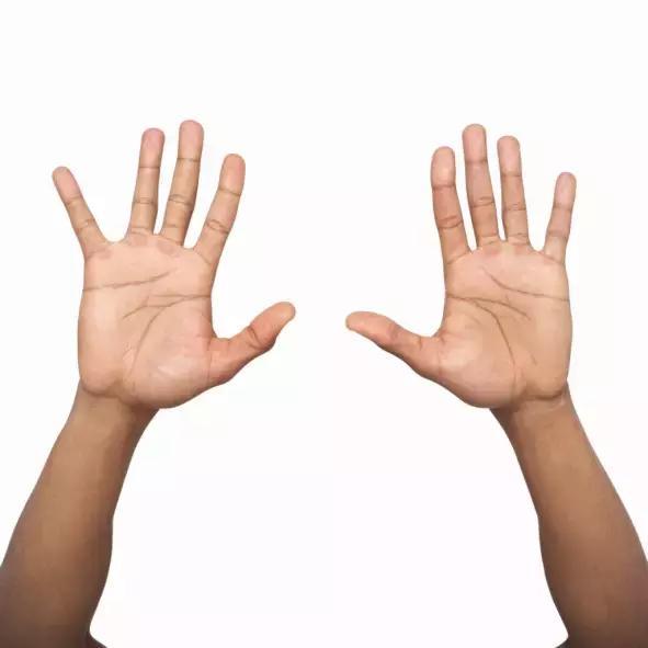 常做舉手療法,為您健康加分!你學會了嗎?(通經絡,排毒素)