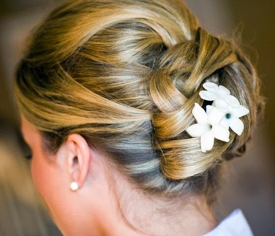 bridal up hairstyle