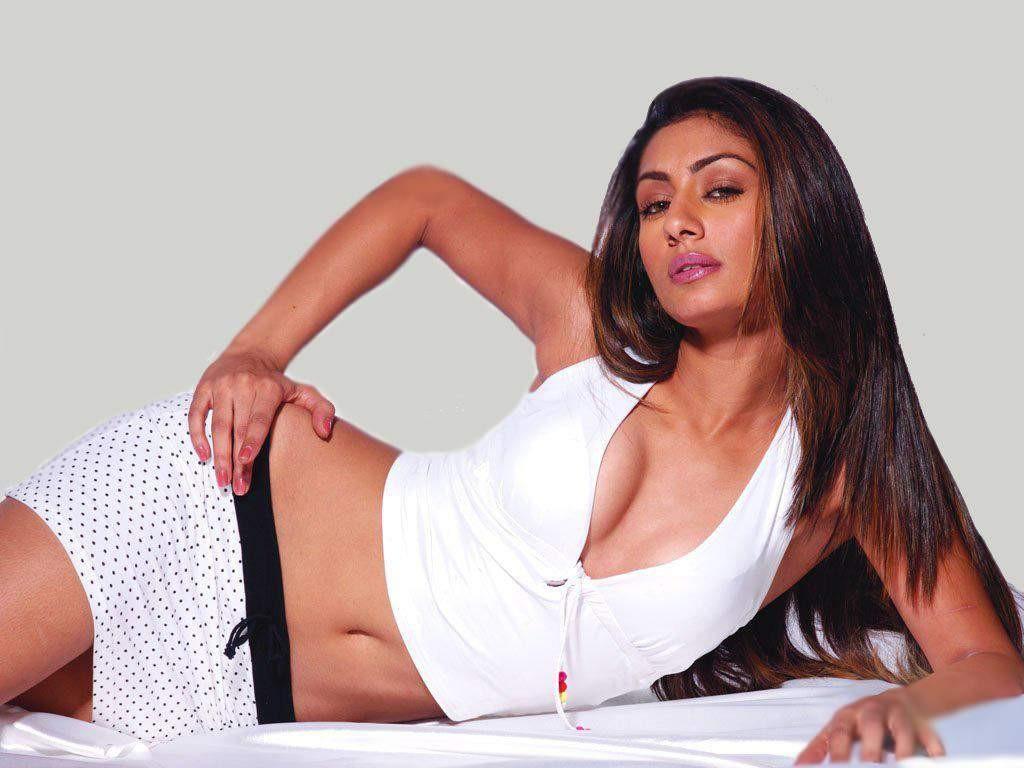 mahek chahal hot bollywood - photo #4