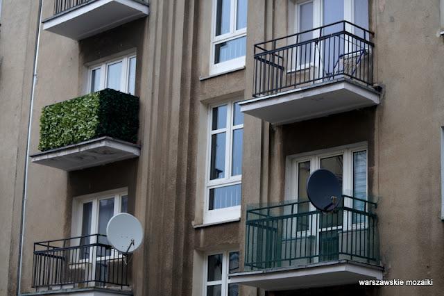 Warszawa Warsaw Mokotów ulice Mokotowa architektura miasto  kamienica balkony