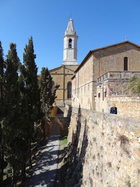 Scrumpdillyicious: Pienza: Pecorino, Pope Pius & Terrazza del Chiostro