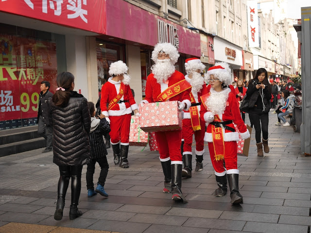 even more people dressed up as Santa