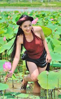 Gái xinh facebook Thái Nhã Vân lộ nhũ hoa