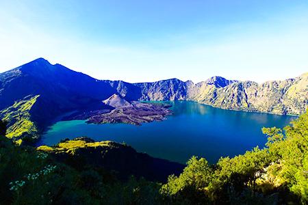 Danau Segara Anak Gunung Rinjani Yang Mempesona