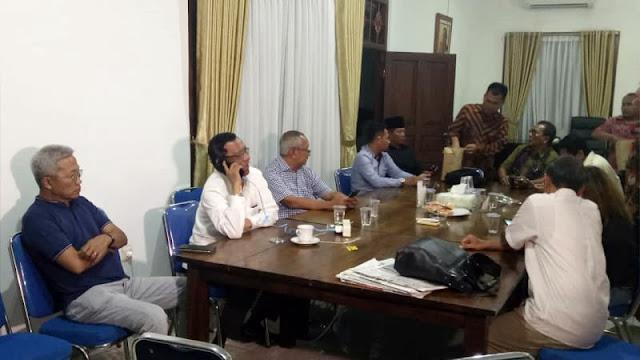 Batal Jadi Cawapres Jokowi, Mahfud MD Gelar Rapat di Kramat Raya