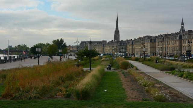 Place de la Bourse Bordeaux promenade