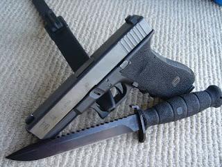 Pisau Tempur Glock