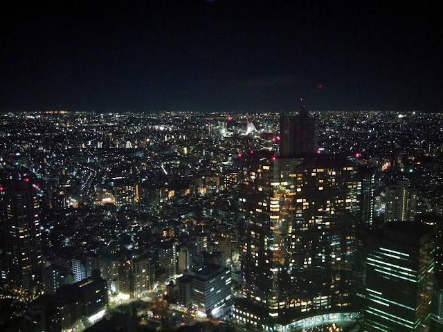 Tokyo iluminada vista desde la torre del Ayuntamiento