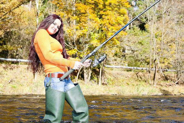 memancing ikan lele