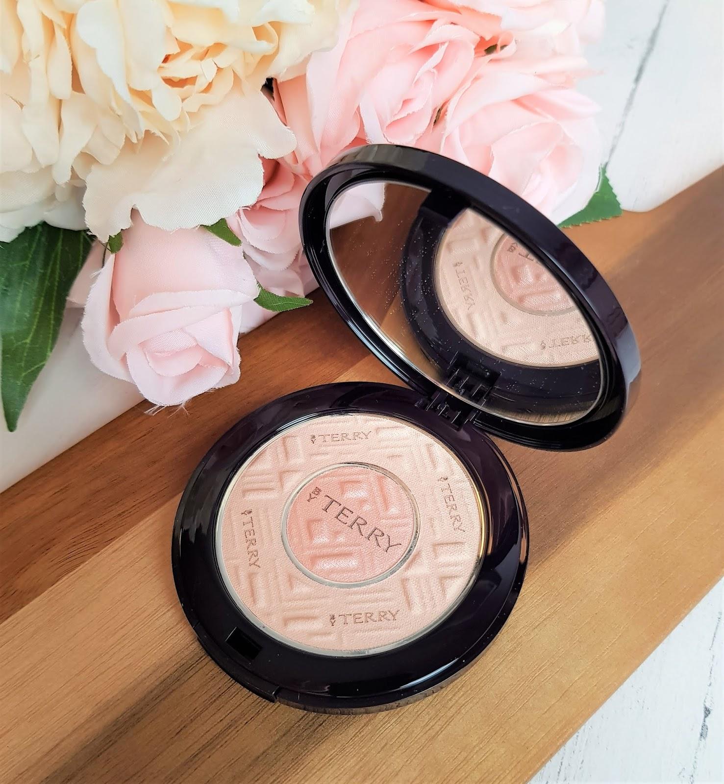 By Terry Compact-Expert Dual Powder by PerfumeClick.co.uk