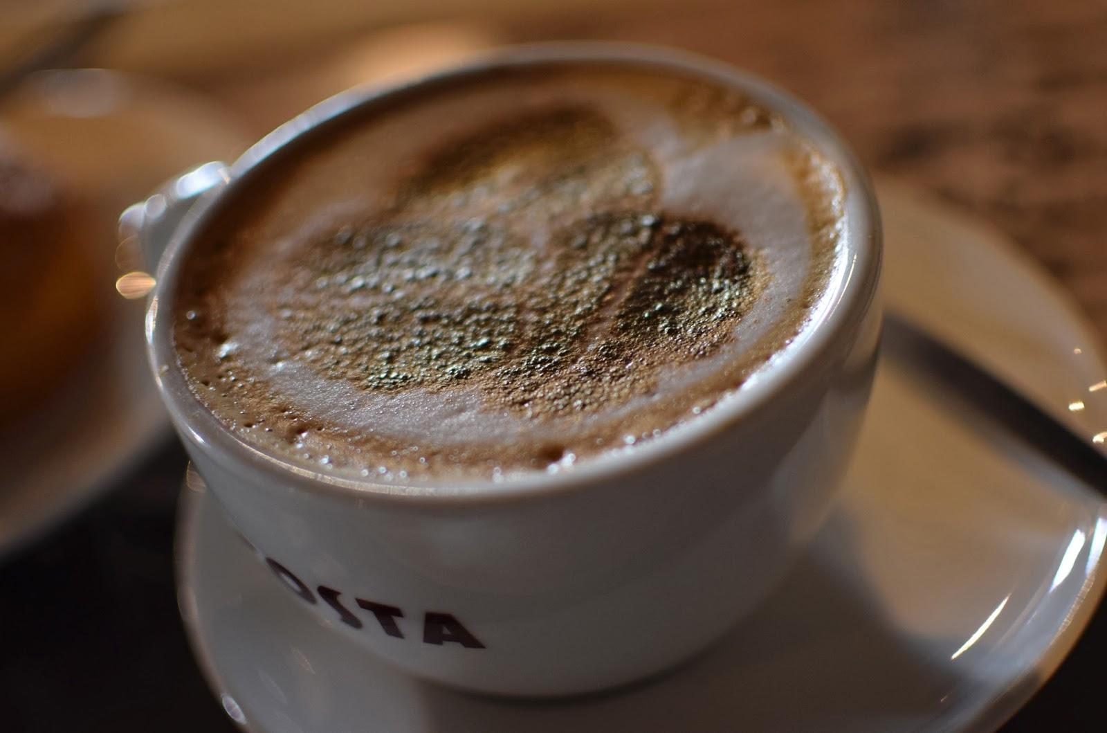 Cappuccino chez Costa