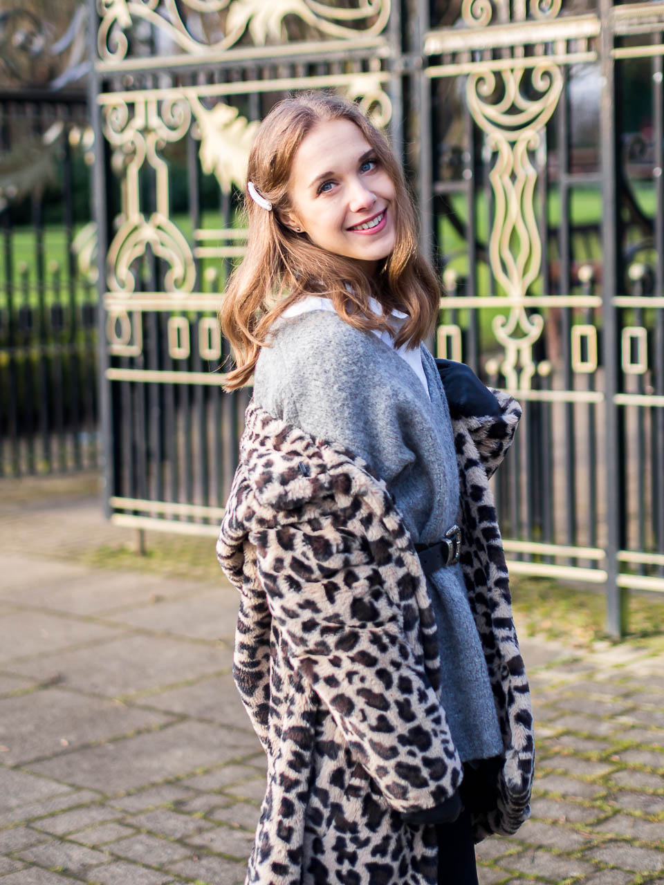 fashion-blogger-outfit-winter-leopard-coat