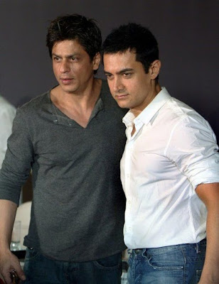 took-25-years-for-srk-aamir-to-pose-together