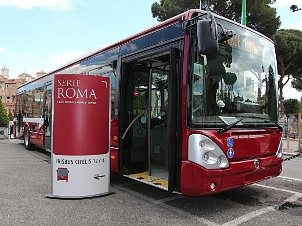 Andar de ônibus em Roma