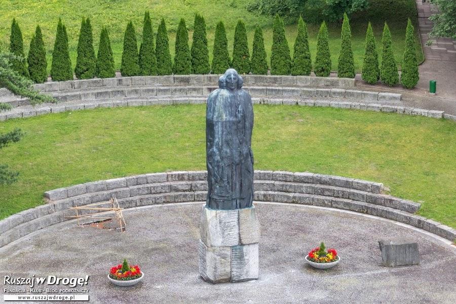 Pomnik Mikołaja Kopernika we Fromborku