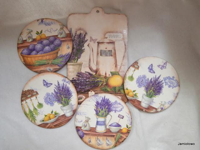 kuchenny zestaw w stylu prowansalskim