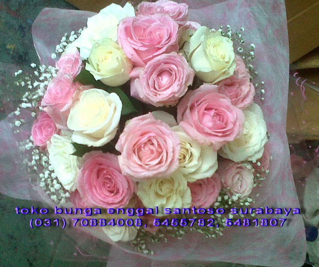 hand bouquet mawar pink dan putih holland