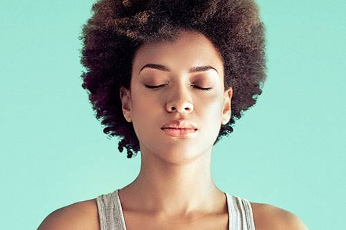 Vantagens do mindfulness se estendem a mulheres em guerra contra a balança