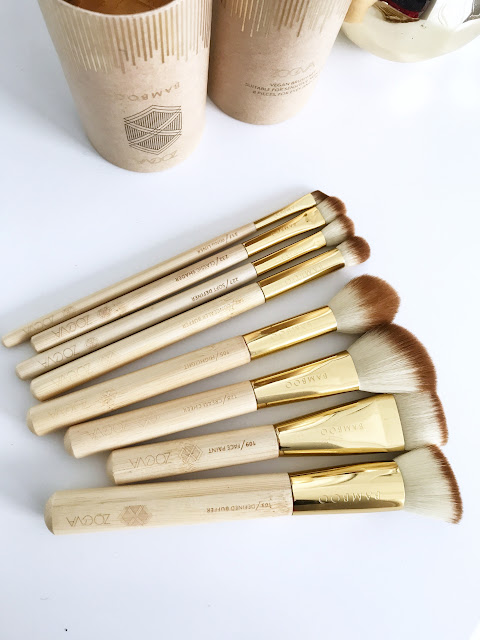 makijażowy niezbędnik Zoeva Bamboo Luxury Set Vol. 2 porządny wegański zestaw pędzli zoeva bambuski make up akcesoria do makijaż syntetyczne włosie naturalne wykończenie podkład złote pędzle tuba kosmetyczka precyzyjny Makeup Sephora