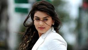 Hansika Motwani Auto Biography Family Photos, Height, Weight, Biodata, Profile, Body Measurements and More
