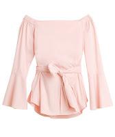 Розовая блузка с открытыми плечами