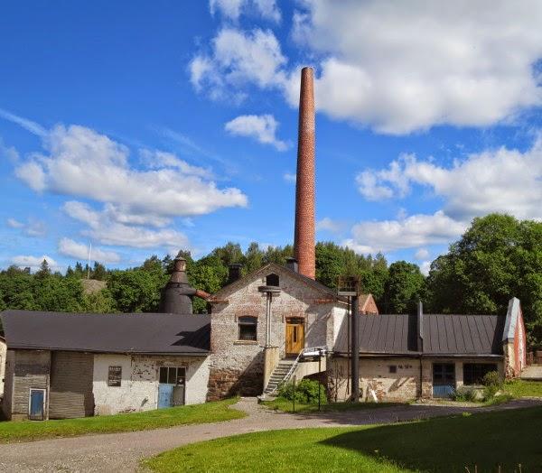 savupiippu vanha tehdas old industry building