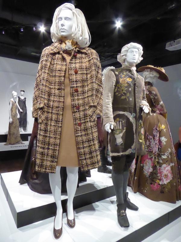 Claire Randall Outlander season 2 1940s costume