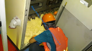 Polyurethane foam pada ruang panel