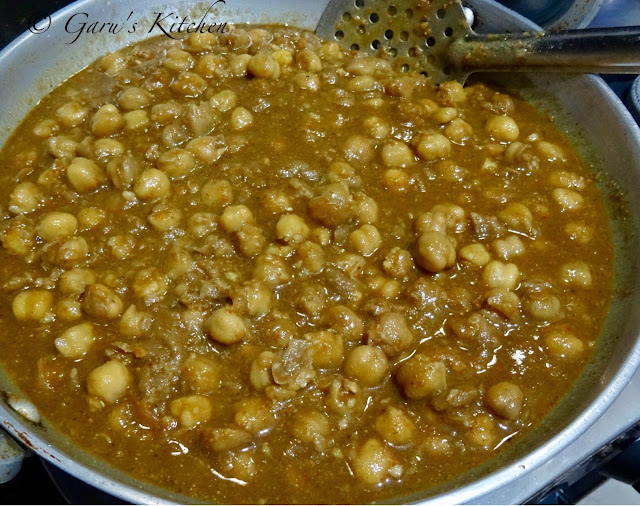 perfect punjabi chole masala recipe | restaurant style chole masala recipe | punjabi choley recipe | chana masala recipe