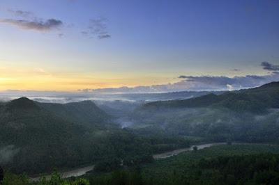 """Destinasi Wisata  Jaman Now """"Watu Tapak Camp Hill"""" Melihat Keindahan Kota Yogyakarta"""