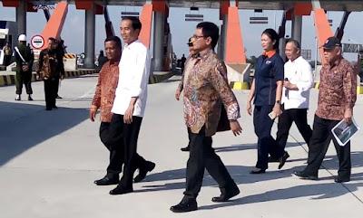 Resmikan Pengoperasian Tol Jombang – Mojokerto, Ini Kata Presiden Jokowi Soal Bisikan Bupati MKP