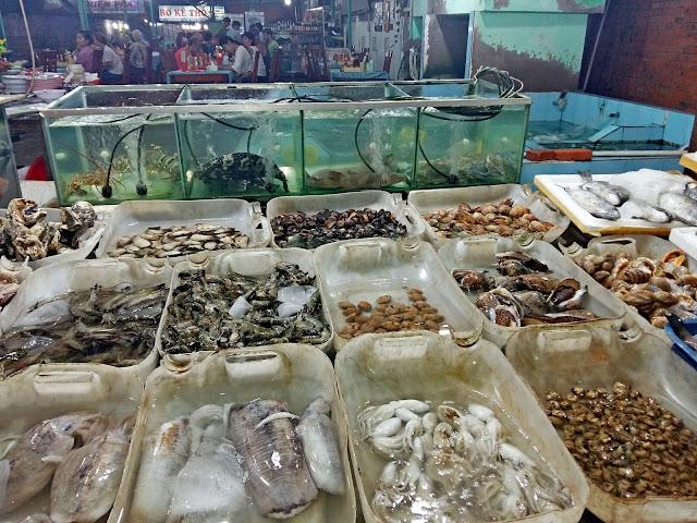 Где в Муйне поесть свежих морепродуктов.