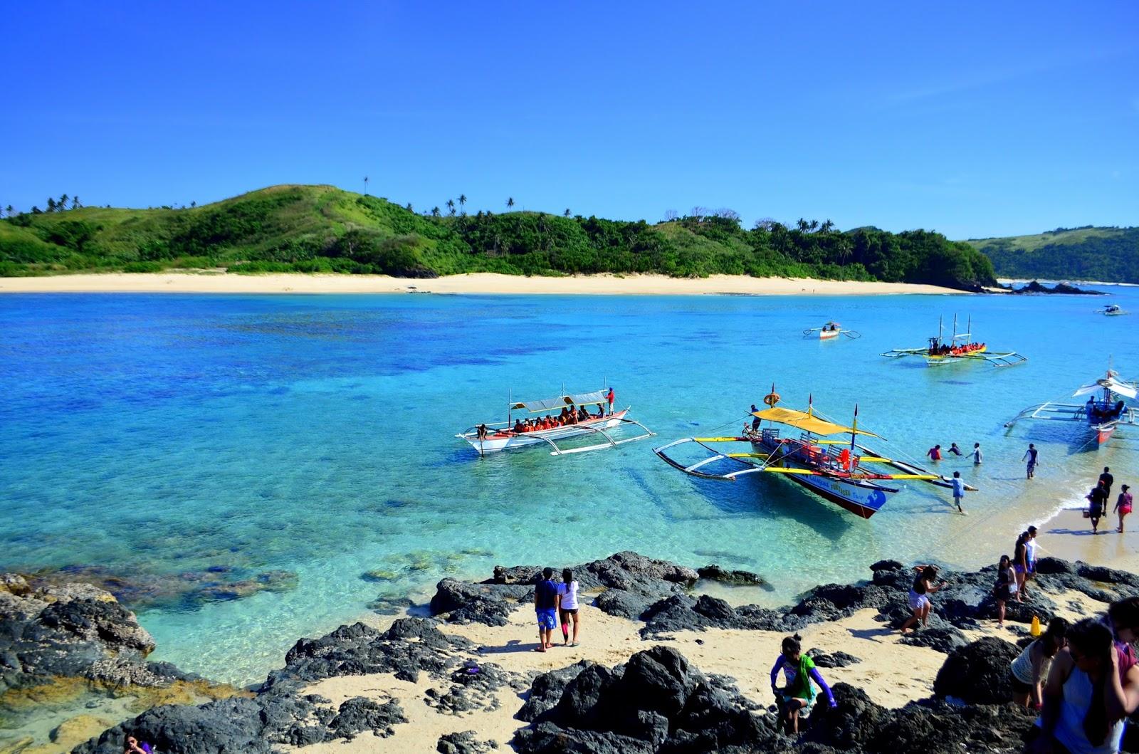 Pinagtapakan Island, Calaguas, Camarines Norte rock view