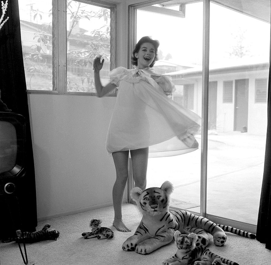 30 Black and White Photographs of Natalie Wood in the ...