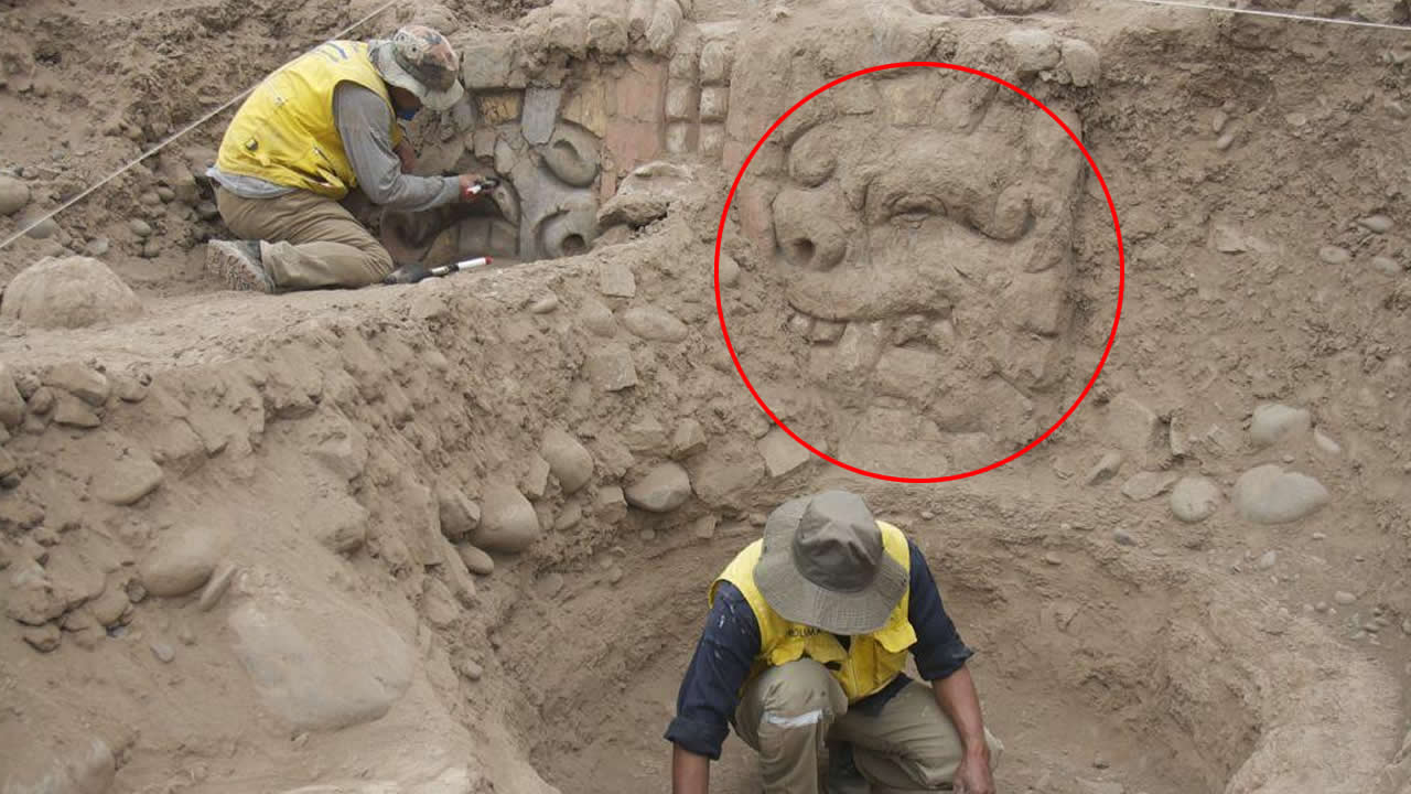 Descubren en Perú rostros antropomórficos con rasgos felinos de hace 3.500 años