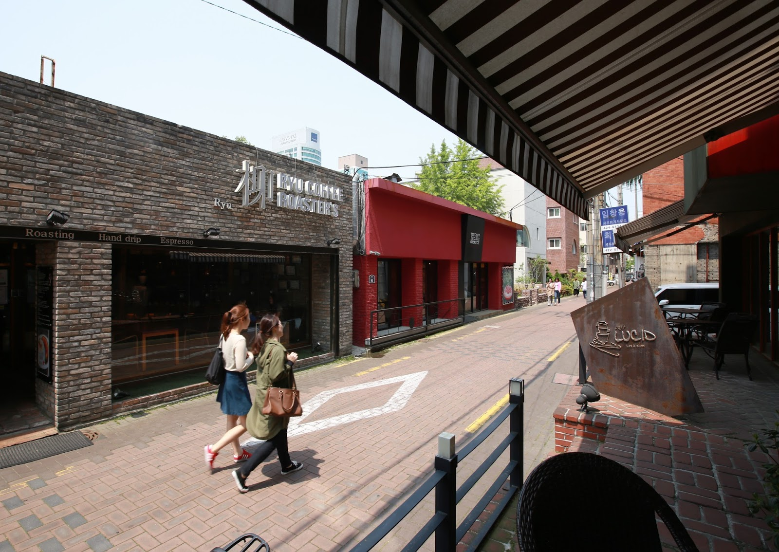 fun free daegu travel daegu alleyway tours 1 dongseongro café