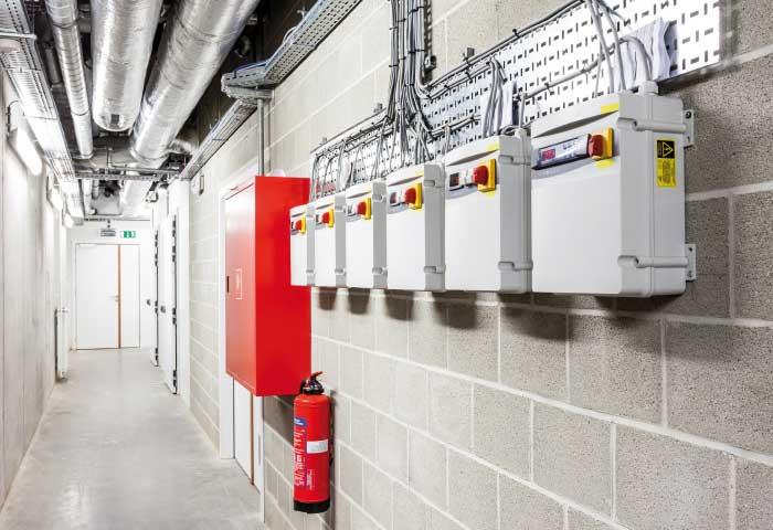 Instalaciones eléctricas residenciales - Seguridad en áreas industriales