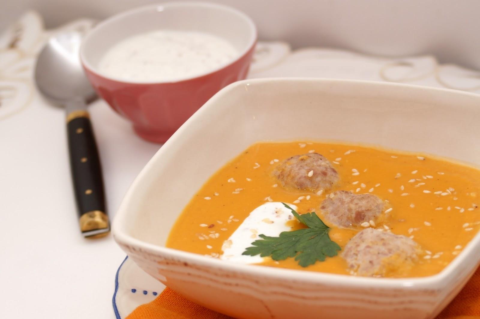 zupa/krem z czerwonej soczewicy z pulpetami