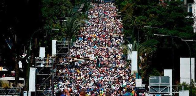Oposisi: Akhir Sudah Dekat Bagi Maduro