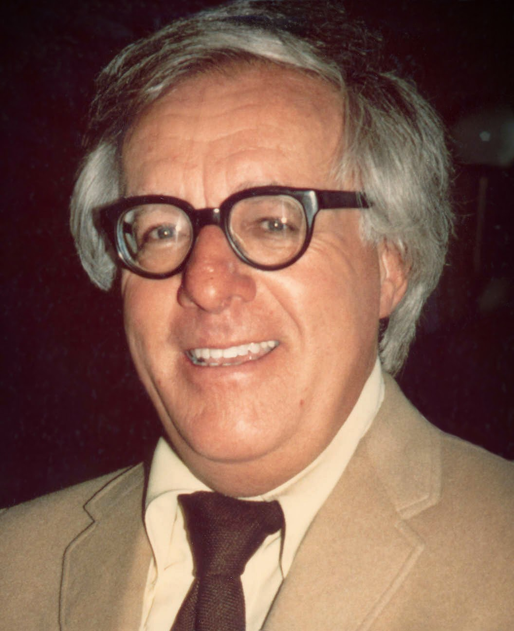 Picture - Ray Bradbury from http://upload.wikimedia.org/wikipedia/commons/6/69/Ray_Bradbury_(1975)_-cropped-.jpg