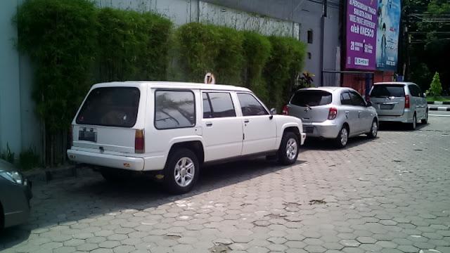 Chevrolet LUV kotak station wagon minibus